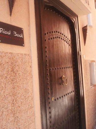 Riad Badi: Riad front door