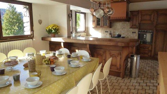 Chalet Chelmer: Kitchen breakfast & afternoon tea room