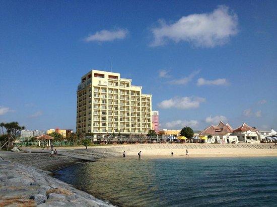 Vessel hotel campana Okinawa: 目の前がサンセットビーチでした