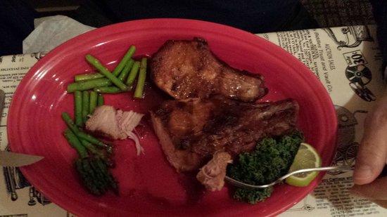 Legends Steaks & Spirits: Fabulous porkchops