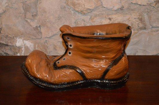 House at the Big Boot: La grande botte