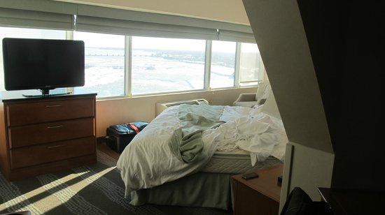 Radisson Hotel & Suites Fallsview: room 1039