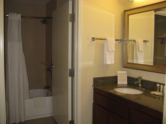 Staybridge Suites South Bend - University Area: South Bend, IN Staybridge Suites -- Bath