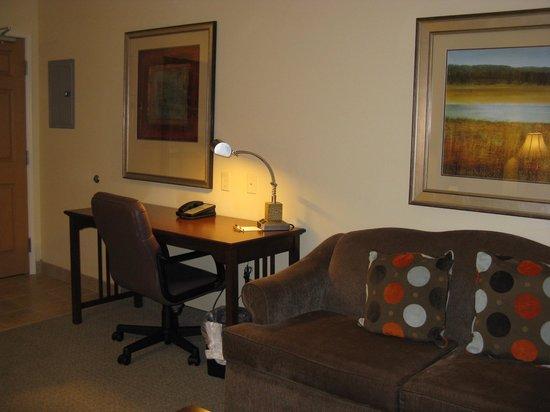 Staybridge Suites South Bend - University Area: South Bend, IN Staybridge Suites -- Work desk