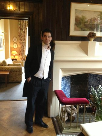 Best Western Plus Grim's Dyke Hotel : Hallway