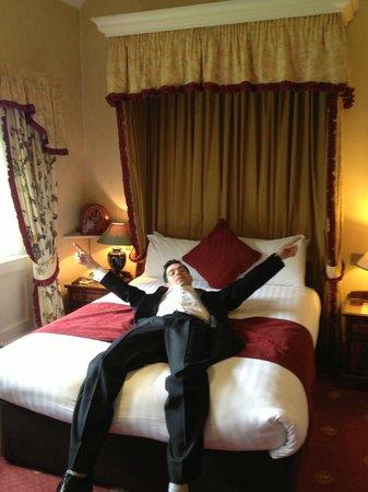 Best Western Plus Grim's Dyke Hotel : Room