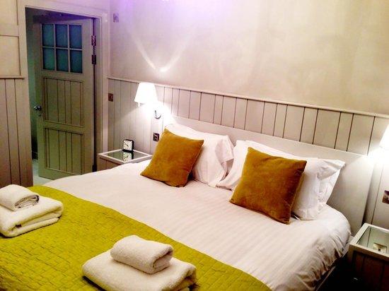 The Lawrance York : Principal bedroom