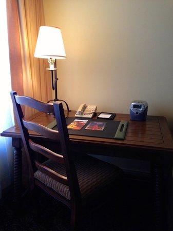 Fairmont Scottsdale Princess: Casita-desk