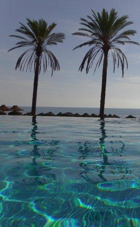 Vincci Seleccion Estrella del Mar: Pool at the beach club