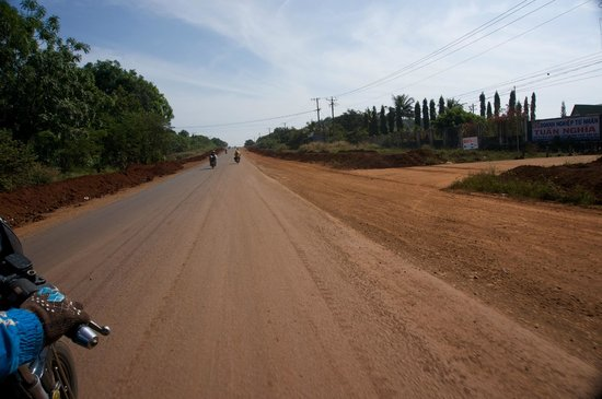 Dalat Easy Rider Club: Sometimes you have a road... but not always