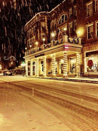 Silverado Franklin Historic Hotel & Gaming Complex : Historic Franklin Hotel at Christmas time