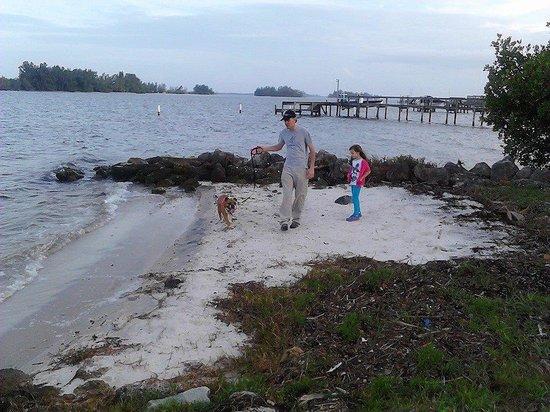 Sportsman's Lodge: Michael, Alaynah, and Zoey enjoying a walk.