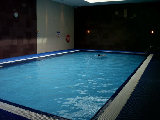 Clayton Crown Hotel: Pool