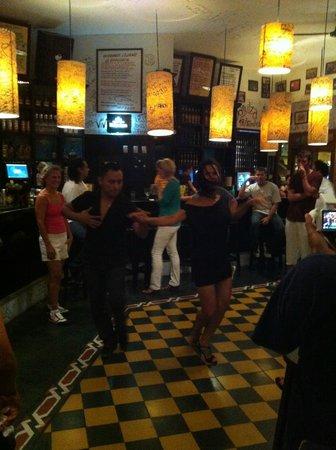 La Bodeguita del Medio: dancing lessons