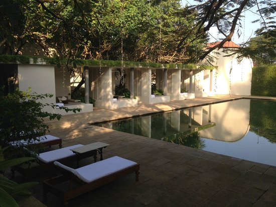 Amangalla: pool