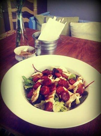 Peckish Cafe: Warm chorizo & mozzarella salad