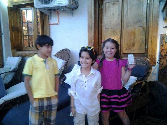 Hotel Vendimia: Vicente y sus amigos