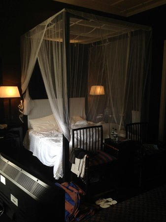 Paradise Road Tintagel Colombo: bed