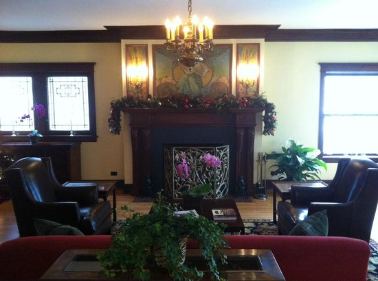 Lang House Bed and Breakfast: Christmas Past