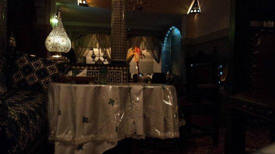 Riad Lahboul : Hall