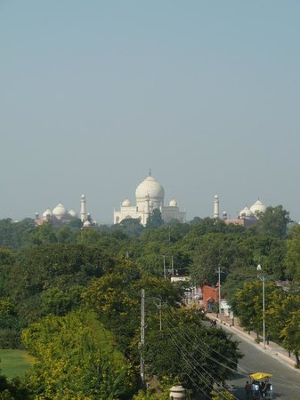 Hotel Taj Plaza: View from room - some zoom