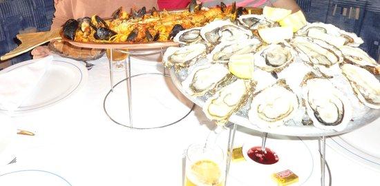 Le Grand Bleu: Устрицы и паста с морепродуктами