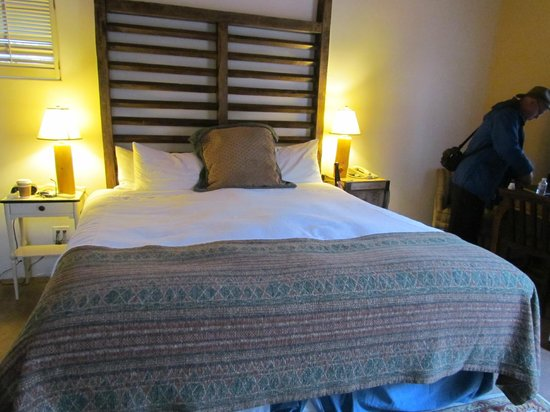 "Las Palomas Inn Santa Fe : The ""Comfy"" Bed"