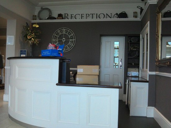 The Marine Hotel: Hotel Reception