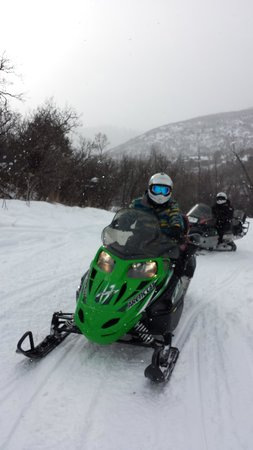 Glenwood Adventure Company: Snowmobiles
