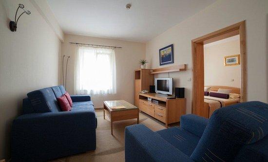 Hotel Park Hvar: Double bed suite - town view