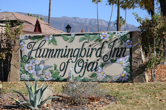 Hummingbird Inn: I love the mountains that surround the hotel