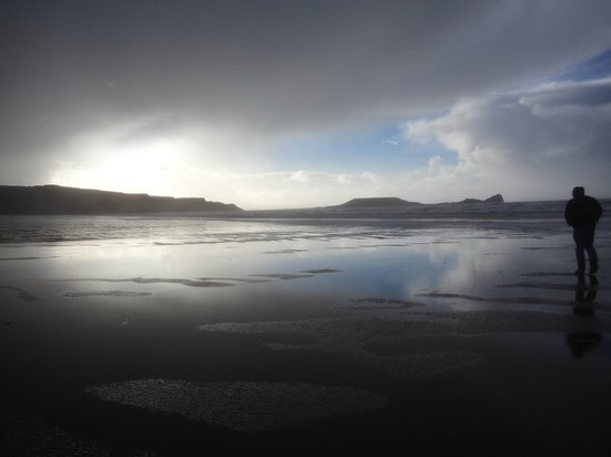 Rhossili Bay: A view of Worm's Head from Rhossili Beach