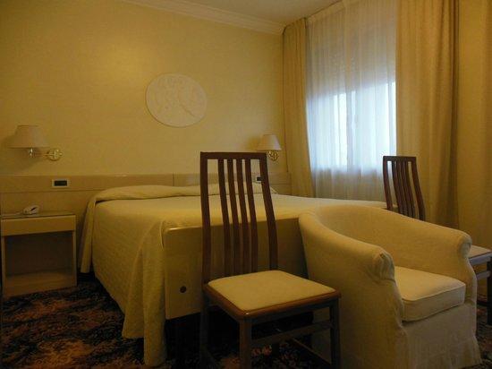 Hotel Aurora Terme: camera