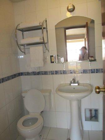 Conde de Lemos: Bathroom