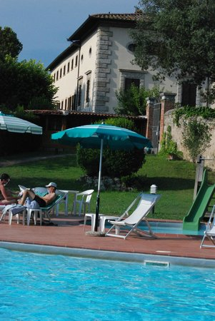 Villa San Lucchese Hotel : Pool area