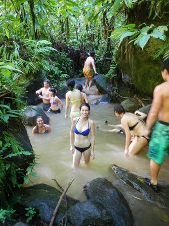 Bumpiing Tours: The hot springs pool