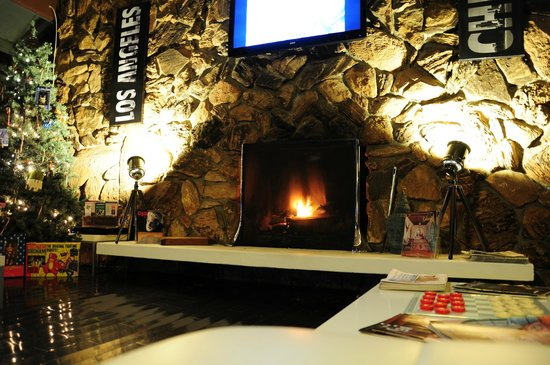 The Capri: The Lobby at night.  Nice cozy fire!!