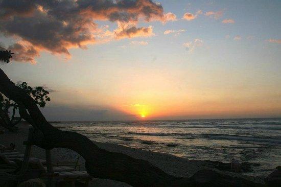 Four Seasons Resort Hualalai : sunset