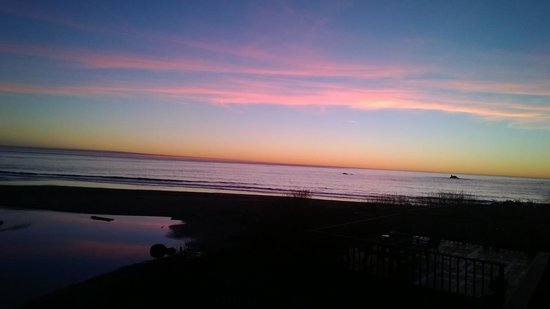 Lowden's Beachfront Bed & Breakfast : sunset from deck