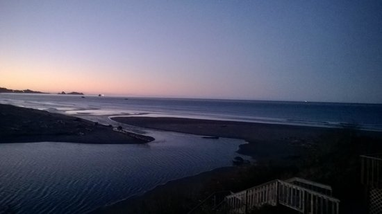 Lowden's Beachfront Bed & Breakfast : sunrise from deck