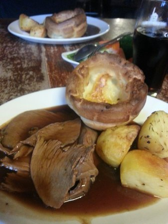 The Plough on the Hill: Hearty roast