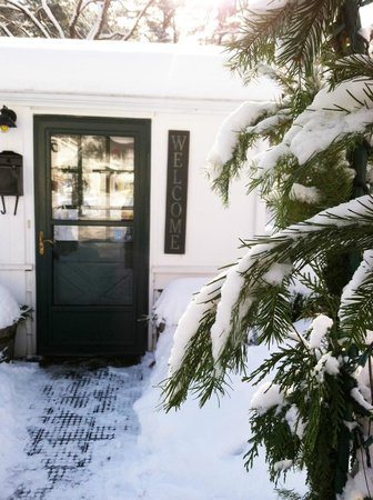 The Woodstock Inn on the Millstream : A warm welcome to all, every season