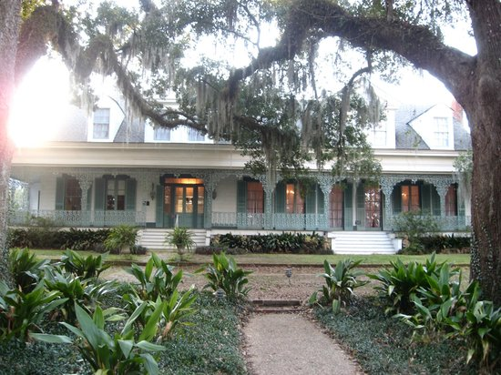 The Myrtles Plantation: Front view