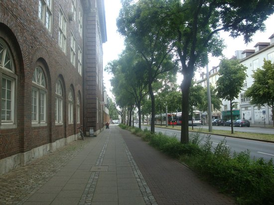 Hostel-Posty: hostel's street coming from the central station (an der weide)