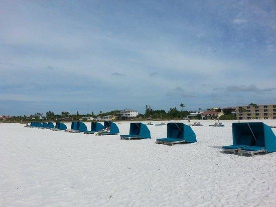 Outrigger Beach Resort: love the cabanas!