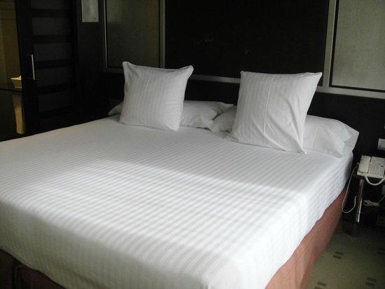 Melia Barcelona Sarria : comodo letto
