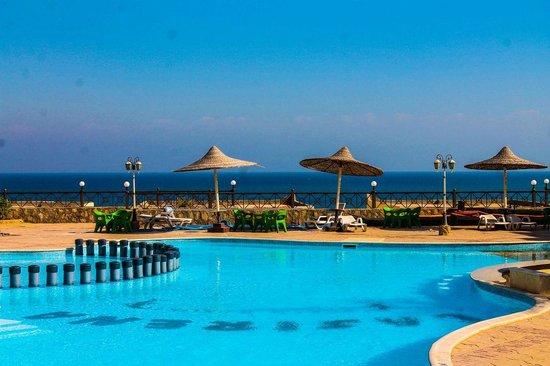 La Sirena Beach & Resort: Pool area