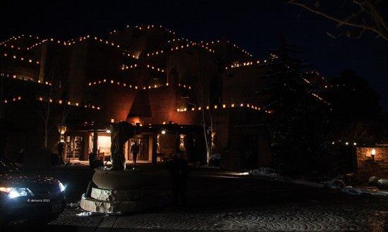 Inn and Spa at Loretto: Beautiful Luminarias - Entrance to Loretto Inn December 2013