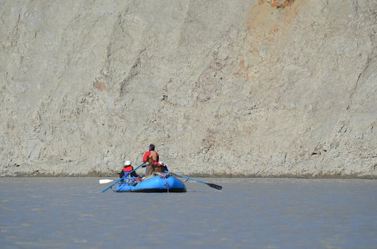 McCarthy River Tours & Outfitters - Day Tours: On the river