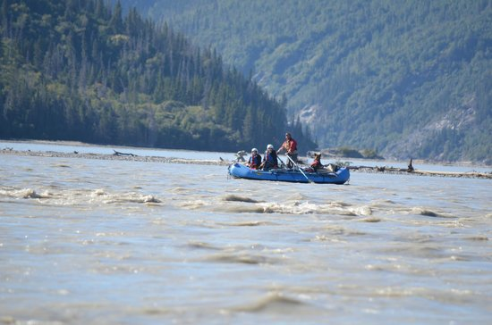 McCarthy River Tours & Outfitters - Day Tours: Lower Chitina